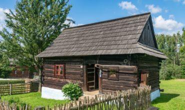 Wooden House Cabin Folk Architecture  - Xtrodinary / Pixabay